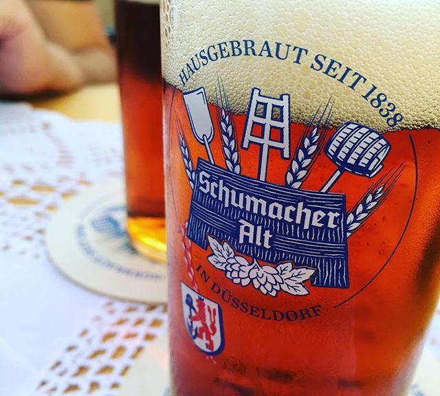 Zum Geburtstag von NRW kommen sogar Tischdecken raus.