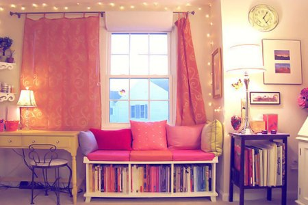 Гостиная: оформление книжных полок