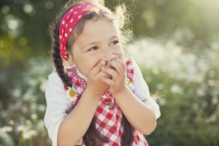 Семейное счастье: поле ромашек