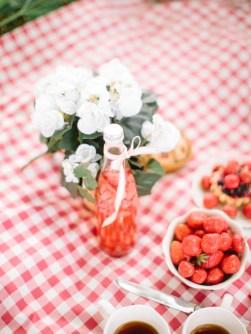 Романтичный пикник на троих: съемка Саши, Лизы и Анечки