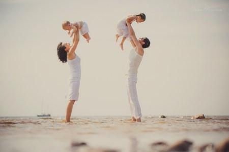 Одна любовь на четверых: семейная съемка Даши, Кирилла, Влады и Германа