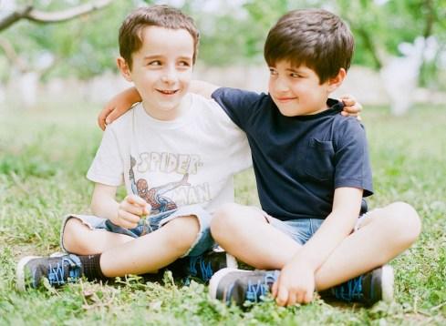 История одной дружбы: двоюродные братья Джордж и Лео