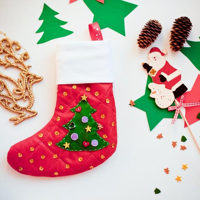 Шьем новогодний носок для подарков