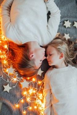 Зимние чудеса: съемка мамы и дочки