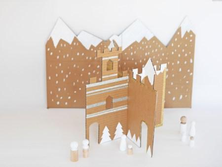 Немного волшебники: строим зимний замок из картона