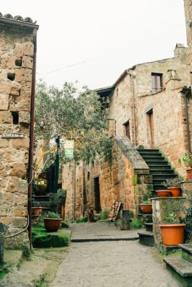Картинки по запросу Город-замок Чивита ди Баньореджо