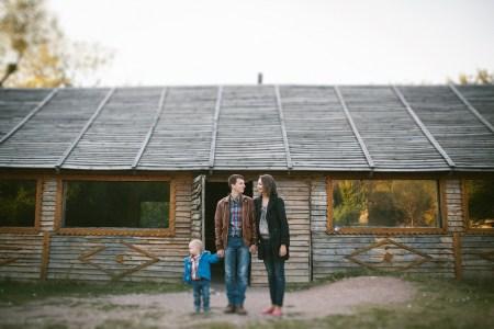 Пикник на природе: Илюша и его родители
