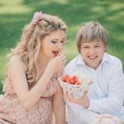 В ожидании близняшек: семейное чаепитие Натальи и Вячеслава