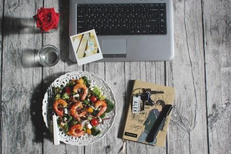 Рецепт тёплого салата с запечённой тыквой и креветками