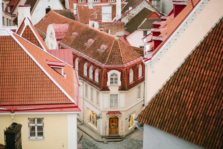 Тишина и волшебство: прогулка по зимнему Таллину
