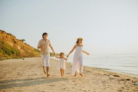 Деревянная свадьба: семейный праздник у залива