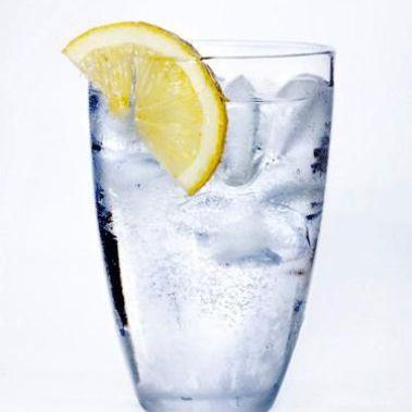 5 privychek-v-ede-ot-kotoryh-stoit-otkazatsja-voda-1