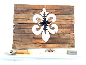 10 DIY Pallet Projects to Organize Your Home + Linkup