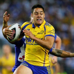 SYDNEY, AUSTRALIA - SEPTEMBER 15: Jarryd Hayne of the Eels makes a break during the NRL Semi Final one match between the Parramatta Eels and the Bulldogs at Telstra Stadium September 15, 2007 in Sydney, Australia. (Photo by Mark Nolan/Getty Images)