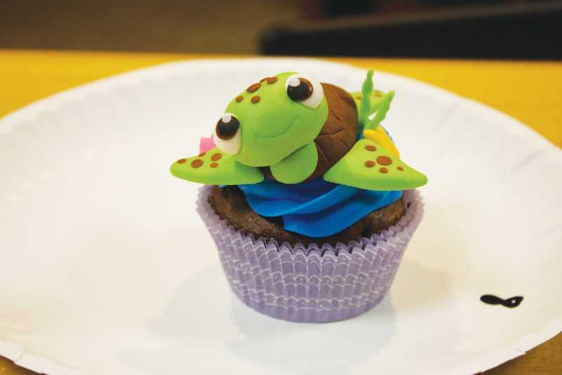Large Of Cupcake Wars Host