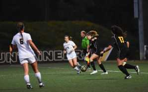 Women's soccer tie in both weekend games