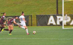 Women's soccer fall in 2OT