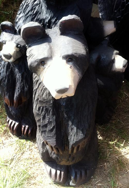 wood-carving-bear