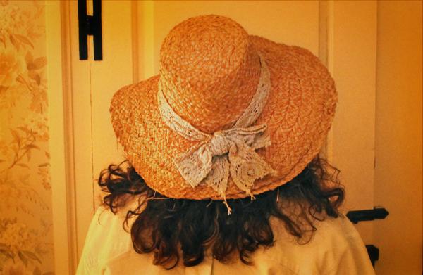 nantucket-island-visit-thrift-hat