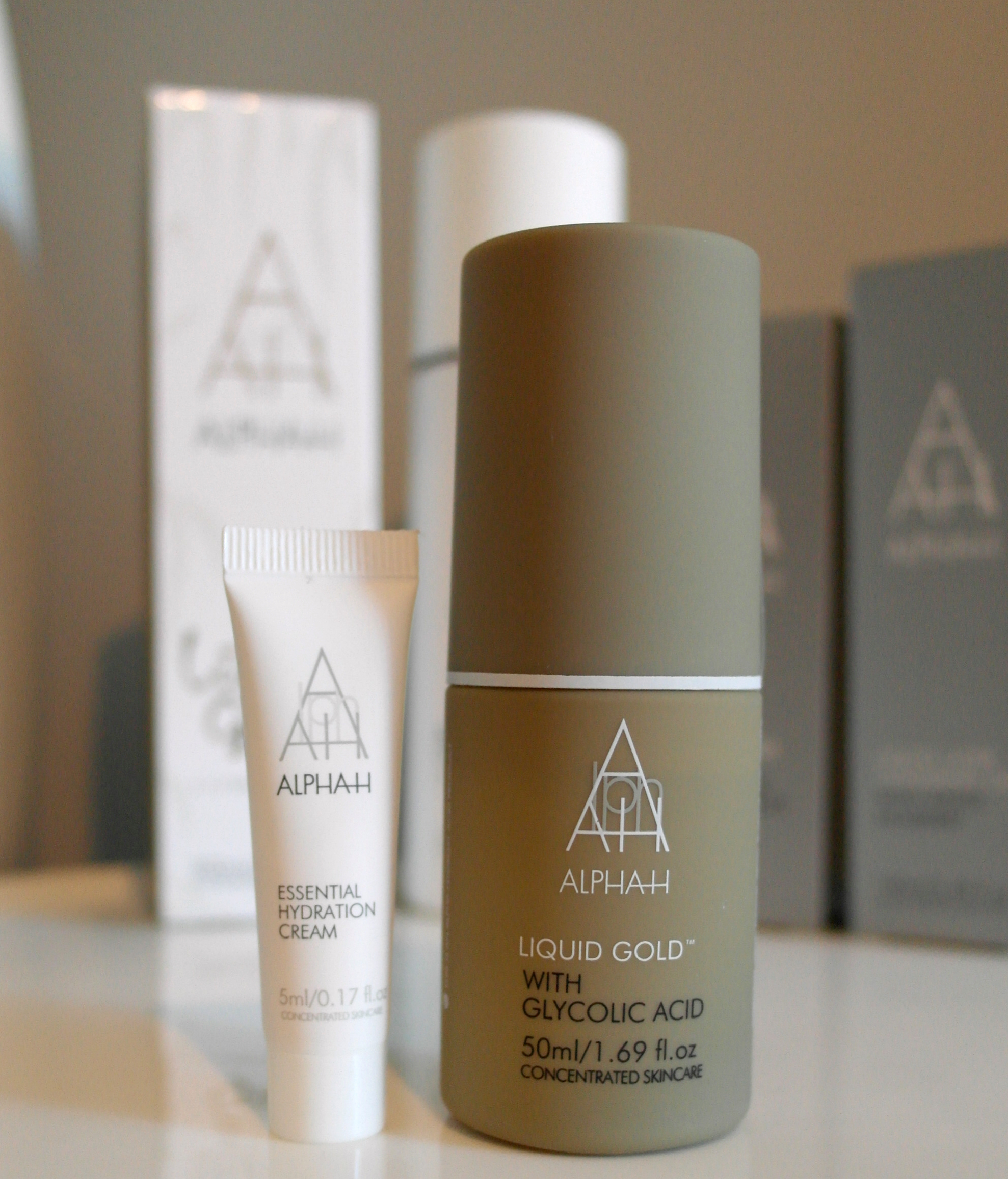 Alpha H Freebies - Essential Hydration Cream & 50ml Liquid Gold
