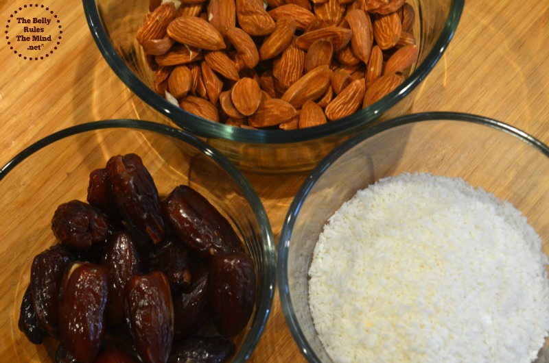 almond and date snack square