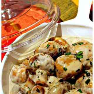 If you love mushrooms, you have to make these Creamy Garlic Mushrooms. It's an easy and flexible recipe, making a great side, pasta base or steak sauce!   Featured on The Best Blog Recipes