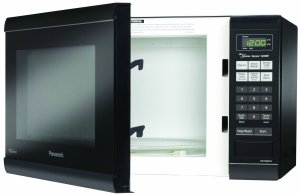 Westinghouse WCM660B Countertop Microwave Oven