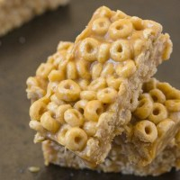 Healthy 3 Ingredient No Bake Cereal Bars