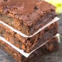 Healthy 5 Ingredient Zucchini Breakfast Brownies