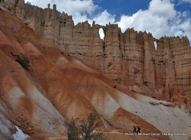 Hikers on the Peek-a-Boo loop, Bryce Canyon National Park.