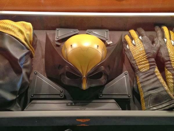 Leaked Image of the classic black & yellow Wolverine costume for the upcoming X-MEN Apocalypse film.