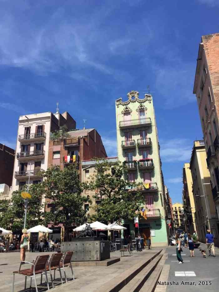 Walking Food tour with Devour Barcelona