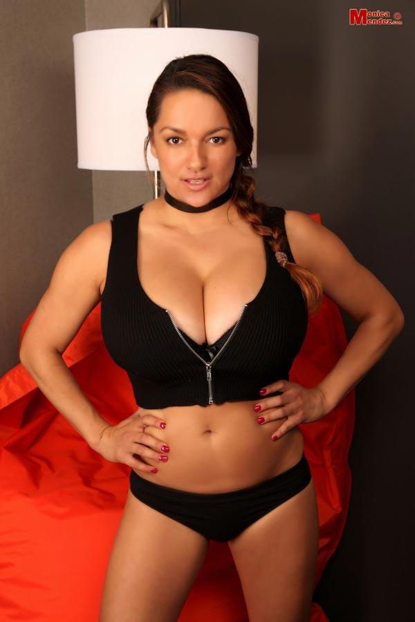abbi secraa cleavage