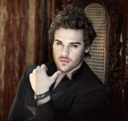 Grey Damon - Gage