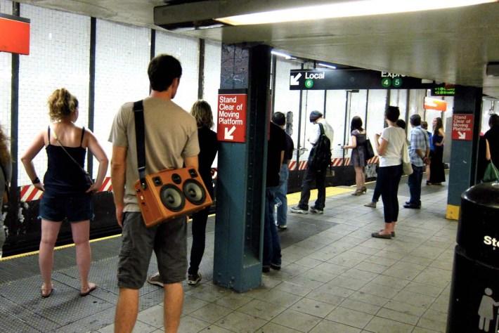 nyc-boomcase-subway-boombox-retro-vintage
