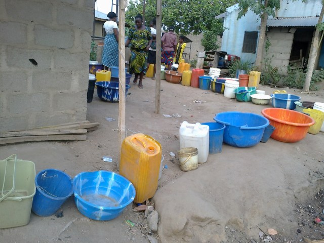 residents-keep-file-of-broken-basins-like-this-for-days-to-determine-when-it-would-be-their-turn-for-water1.jpg