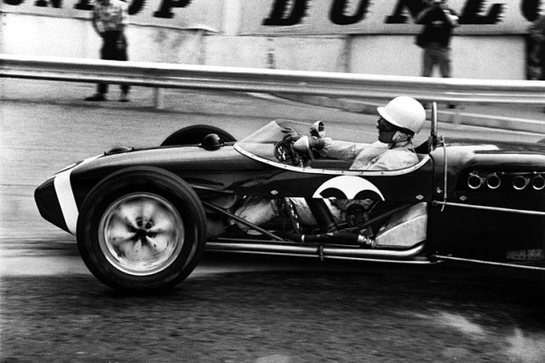 Stirling Moss in a Rob Walker Lotus 18 at the 1961 Monaco GP