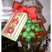 Frugal Holiday Crafts with Elmer's Holiday #GlueNGlitter - DIY Apothecary Jars and Hang Tags