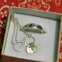Give The Gift Of Personalized Jewelry For The Holidays
