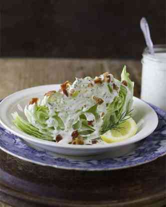 wedge salad with buttermilk dressing