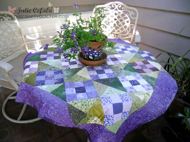 quilt on porch via The Crafty Quilter