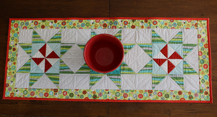 Christmas Table Runner @ The Crafty Quilter