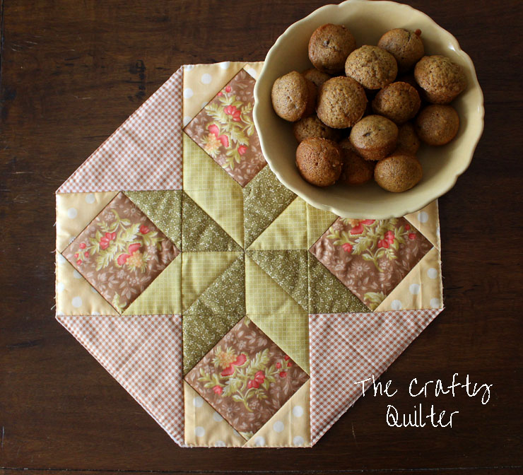 Fall version of Cookie Plate Crumb Catcher @ The Crafty Quilter