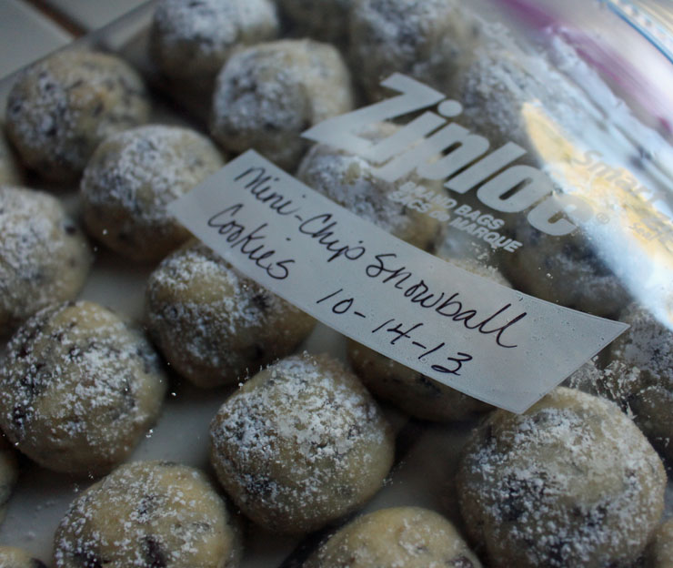 Mini-chip Snowball Cookies