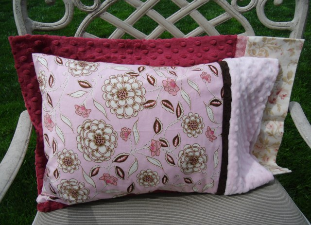 Travel-size Pillow Case Pattern by Julie Cefalu