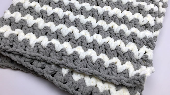 Trendy Crochet Baby Blanket + Tutorial - The Crochet Crowd