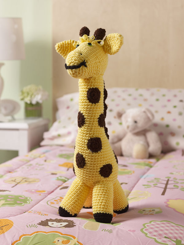 Crochet Patterns For Giraffe : Giraffe: Complete Pattern + Video Tutorial - The Crochet Crowd