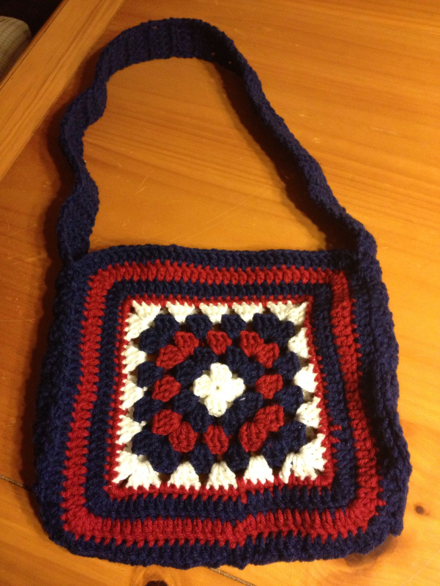 Patriotic Granny Square Bag with The Tennessee Stitch ...