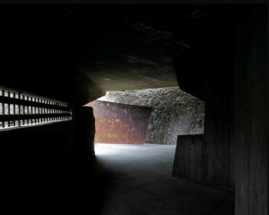 Exterior, entrada e interior de El Tanque, Espacio de Arte y Creación.