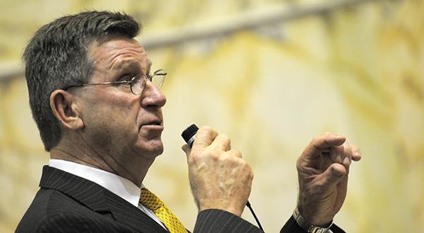 Senators grapple with minimum wage bill